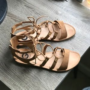 Guess strappy/ Gladiator  sandals